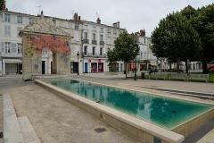 Fontaine - Français:   Rochefort, fontaine de la place Colbert