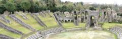 Restes de l'amphithéâtre gallo-romain - Français:   Amphithéâtre Gallo-romain, Saintes, Charente-Maritime