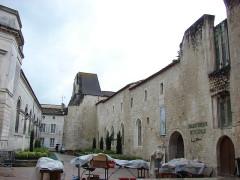 Ancien couvent des Jacobins et ancienne maison de Maurice Martineau, actuellement bibliothèque municipale -  Bibliotheque municipale, Saintes, Poitou-Charentes, France