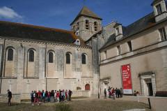 Ancienne abbaye - English: Painted interior