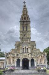 Eglise Sainte-Anne - Français:   Façade de l\'église Sainte-Anne, située sur la commune de Saint-Benoit à l\'île de la Réunion