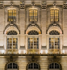 Immeuble - English: Windows of Pavillon Jacquet in Nancy, Meurthe-et-Moselle, France