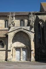 Eglise Saint-Pierre - Deutsch: Kirche Saint-Pierre-et-Saint-Paul in Revigny-sur-Ornain im Département Meuse (Lothringen) in der Region Grand Est/Frankreich, Portal