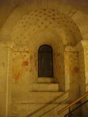 Cathédrale Notre-Dame - Français:   Crypte de la Cathédrale Notre-Dame  de Verdun (Meuse, France). Fresques