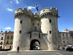 Porte Chaussée (porte et passage entre deux tours) - English: Porte Chaussée, Verdun
