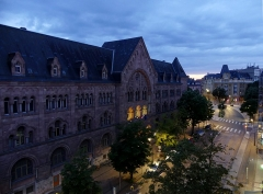 Hôtel des Postes - English: Sight, at dusk, of the general Post office and Rue Gambetta street of Metz, in Moselle, France.