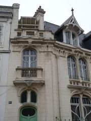 Immeuble - Français:   Epinal, 30bis, rue Thiers: maison de style Art Nouveau, construite en 1906 par Louis Mougenot (1862-1929), inscrite aux MH en 1984
