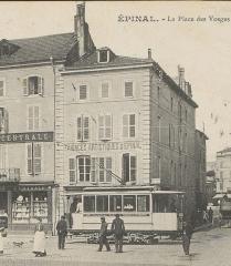 Maison - Français:   photo recadrée   Immeuble au n° 2 place des Vosges à Épinal vers 1900 détruit en 1944