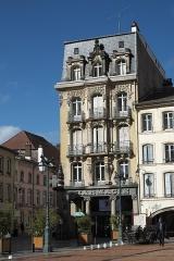 Maison - Deutsch: Place des Vosges Nr. 9 in Épinal im Département Vosges (Lothringen) (Region Grand Est/Frankreich)