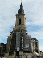 Eglise Saint-Géry - Français:   Eglise Saint-Géry de Cambrai: façade en travaux 2011