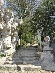 Jardin public du Moulin de Cassel - Français:   Entrée duJardin public du moulin de Cassel par la rue Alexis Bafcop Cassel, Nord.- Hauts-de-France.