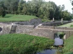 Ancienne enceinte espagnole - Français:   Les remparts de Condé-sur-l\'Escaut