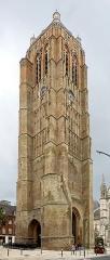 Eglise Saint-Eloi - Le beffroi de Dunkerque.