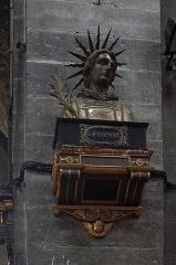 Eglise Saint-Etienne - buste de st Etienne, l'église Saint-Étienne à  Lille (Nord, France),