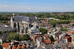 Cathédrale Notre-Dame et Saint-Vaast - English: The cathedral Notre-Dame-et-Saint-Vaast, seen from the top of the belfry of Arras, France.