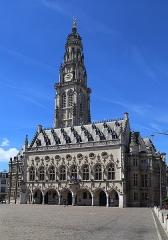 Hôtel de ville - English: Place des Héros, town hall and belfry in Arras, France.