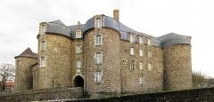 Château d'Aumont - Français:   Le Château-Musée de Boulogne-sur-Mer.