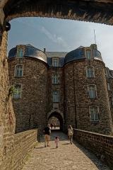 Château d'Aumont - English:   Boulogne-sur-Mer - Ville Haute - Rue de Bernet - View East on Le Château Comtal