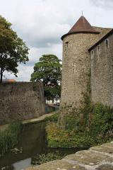 Château d'Aumont - English:   Boulogne-sur-Mer, castle, the castle moat
