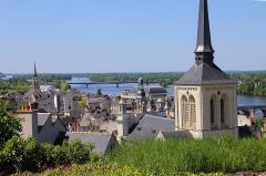 Eglise Saint-Nicolas - Deutsch: Blick vom Schloss (Château de Saumur) auf die Stadt Saumur an der Loire.