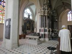Cathédrale de la Trinité -  Vue traversante du chœur de la cathédrale de la Sainte-Trinité de Laval, Mayenne, Pays de la Loire.
