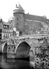 Vieux pont sur la Mayenne -