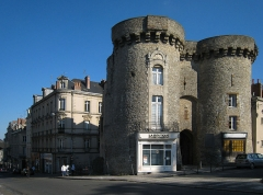 Anciens remparts -  Village of Laval, located on the river Mayenne in the county of Mayenne/France; town - old town gate