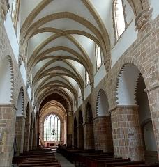 Abbaye de la Lucerne - Français:   Abbaye de la Lucerne. Nef de l\'église abbatiale.