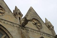 Eglise - Français:   Les Gargouilles de l\'église.