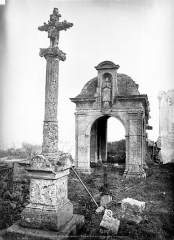 Croix en pierre -