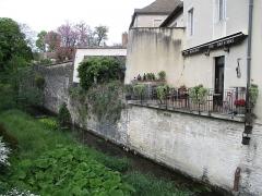 Fortifications - Français:   Fortifications de Beaune & bar à vin sur les remparts