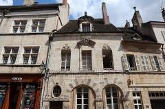 Maison - Français:   Maison sise 18 rue de Lorraine, commune de Beaune (21).