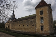 Château de Commarin -  Moats northeast, behind the stables at the old poultry-yard..