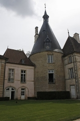 Château de Commarin -  The Small-House was built in 1717 by Anne Chastellux between the old stables and the north-east tower.