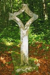 Croix - Français:   Croix percée de Semond
