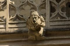 Eglise (collégiale) Notre-Dame -  Narthex gargoyle