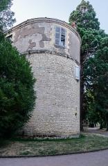 Remparts de la tour du Havre à la Loire - English: Tour du Havre in Nevers, Nièvre, France