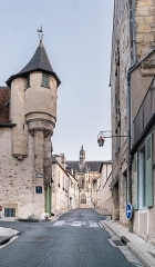 Immeuble - English: Rue de la Cathédrale in Nevers, Nièvre, France