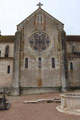 Eglise - Français:   Collégiale Notre-Dame de Montréal (89). Transept nord.