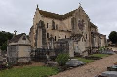 Eglise - Français:   Collégiale Notre-Dame de Montréal (89). Chevet et flanc nord.
