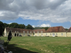 Château de Passy-Véron - Français:   Communs du château de Passy.