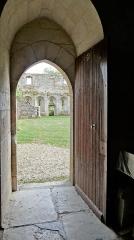 Prieuré de Saint-Jean-des-Bonshommes - Porte des moines de la chapelle du prieuré Saint-Jean des Bonshommes, Sauvigny-le-bois, Yonne, France