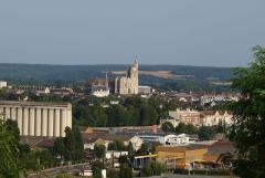 Hôtel de ville - Français:   Sens (Yonne, France), vue depuis l\'église de Saint-Martin-du-Tertre: la ville