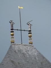 Portes de Sens et de Joigny -  Statuettes en plomb de la porte de Joigny (villeneuve-sur-Yonne France) des templiers qui défendent l'entrée de la ville