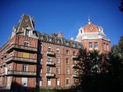 Familistère Godin - Familistère de Guise (Aisne, France): aile est du palais social, côté est