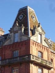 Familistère Godin - Familistère de Guise (Aisne, France): aile est du palais social, tour sud-ouest