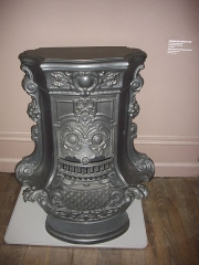 Familistère Godin - Familistère de Guise (Aisne, France): bureau de Godin dans l'aile ouest du palais social, cheminée n°20 de 1863