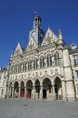 Hôtel de ville - Français:   L\'Hôtel-de-Ville