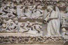 Cathédrale Notre-Dame - Amiens tympan facade ouest detail 02