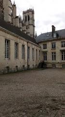 Ancien évéché - Français:   Palais de l\'évêché d\'Amiens 10